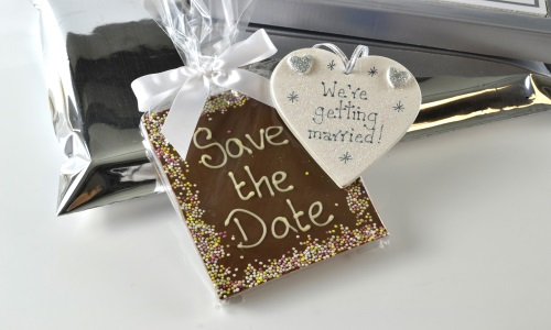 Save the date chocolate ed