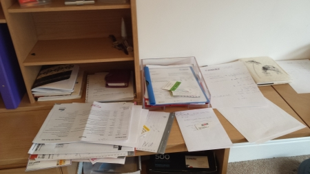 desk-before