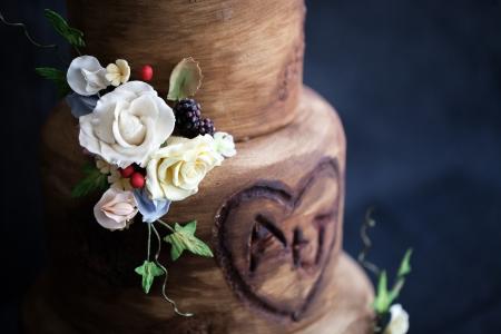 Debbie Gillespie rustic wedding cake with flowers